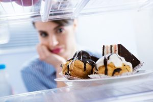 How to Reduce Cravings for Unhealthy Foods